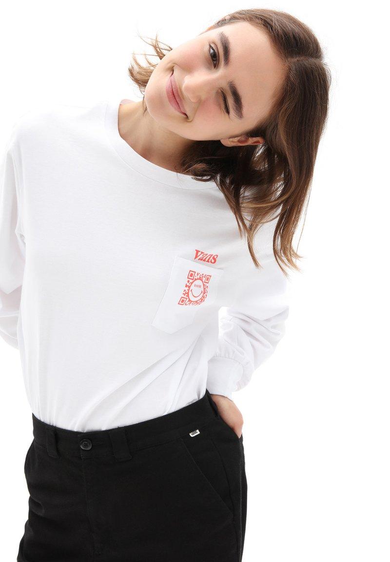 Vans - WM WORLDLY BLOUSANT - Long sleeved top - white