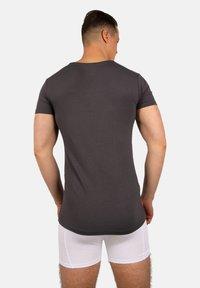 Bandoo Underwear - 2PACK - Undershirt - grey, dark grey - 3