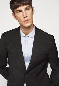 HUGO - ERONDO - Formal shirt - dark grey - 3