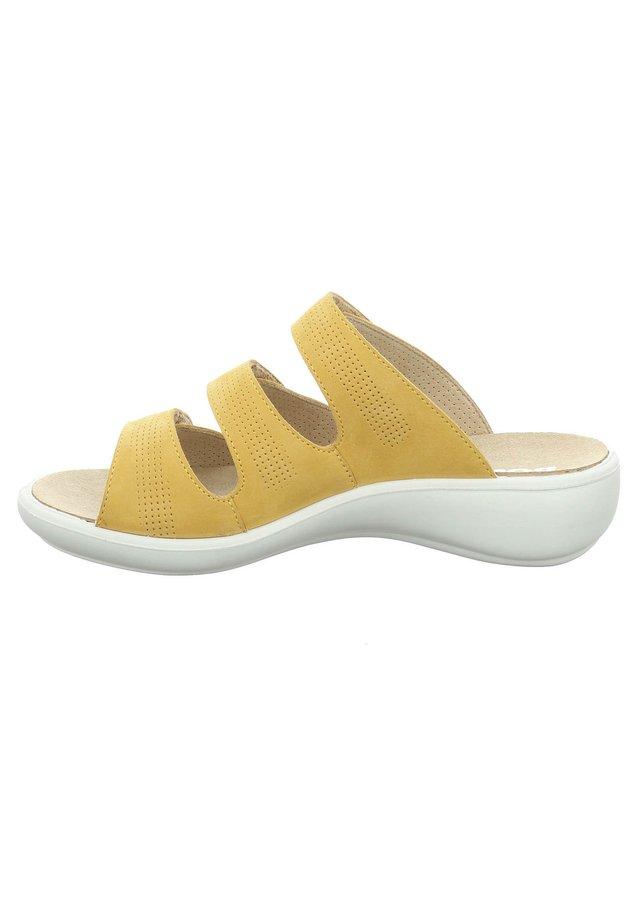 IBIZA - Mules - gelb