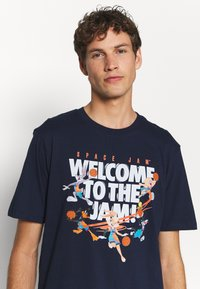 Outerstuff - SPACE JAM 2 WELCOME TO THE JAM TEE - Print T-shirt - navy - 3