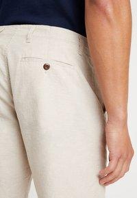 GAP - Shorts - natural - 5