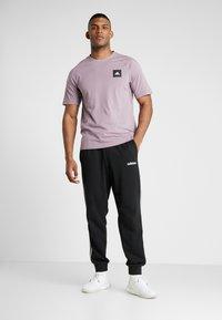 adidas Performance - Print T-shirt - legacy purple - 1