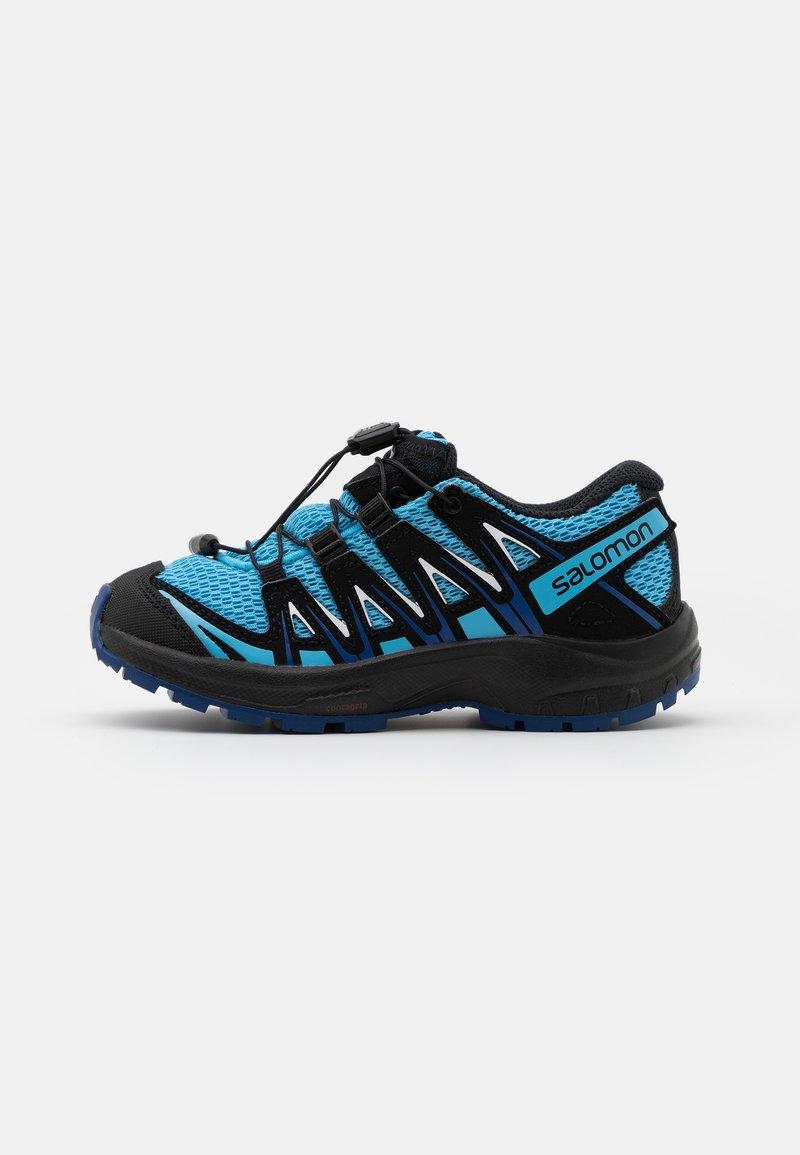 Salomon - XA PRO 3D UNISEX - Zapatillas de senderismo - ethereal blue/surf web/white