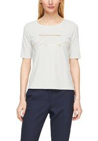 s.Oliver BLACK LABEL - MIT STATEMENT-PRINT - Print T-shirt - soft white love print - 3