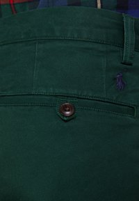 Polo Ralph Lauren - SLIM FIT BEDFORD PANT - Tygbyxor - college green - 4