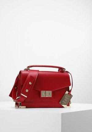EMILY - Across body bag - burgundy
