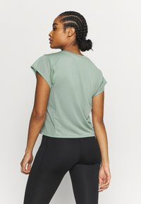 ASICS - RUN - T-Shirt print - slate grey/graphite grey - 2
