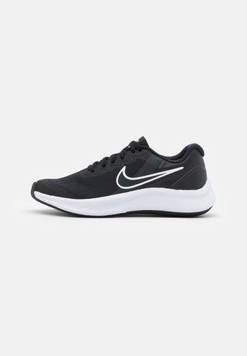 STAR RUNNER 3 UNISEX - Neutral running shoes - black/dark smoke grey/white