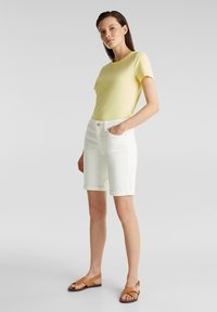 Esprit - FASHION DENIM SHORTS - Denim shorts - white - 1