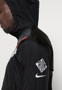 Nike Performance - Veste de running - black/dark smoke grey/reflective silver - 3