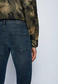 BOSS - DELAWARE BC-L-P - Straight leg jeans - dark blue - 3