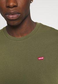Levi's® - ORIGINAL TEE - T-shirts basic - olive night - 5