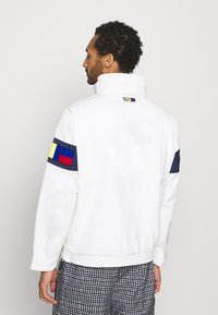 Nike Sportswear - REISSUE WALLIWAW  - Windbreaker - sail/midnight navy/midnight navy - 2