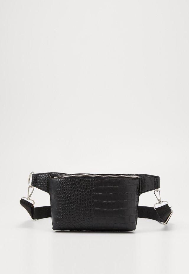 CROC DETAIL STRUCTURED BUMBAG - Bum bag - black