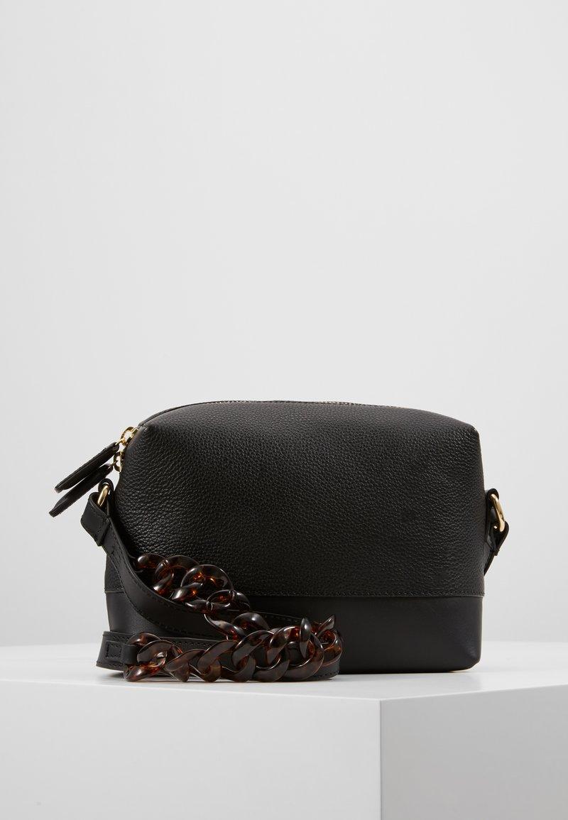 mint&berry - LEATHER - Umhängetasche - black