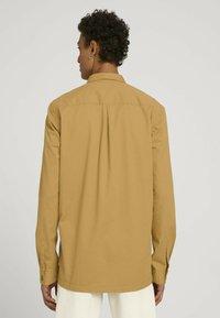 TOM TAILOR DENIM - Camicia - golden ochre - 2