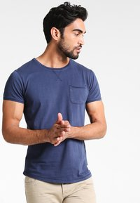 Pier One - Basic T-shirt - navy - 0