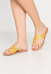 Dorothy Perkins - JANGO STUD TRIM SLIDE - T-bar sandals - yellow - 0