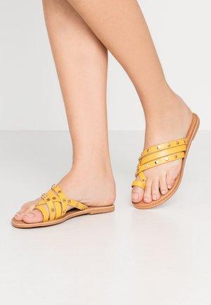 JANGO STUD TRIM SLIDE - T-bar sandals - yellow