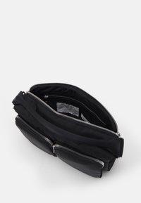 ARKET - BAG - Sac bandoulière - black dark - 2