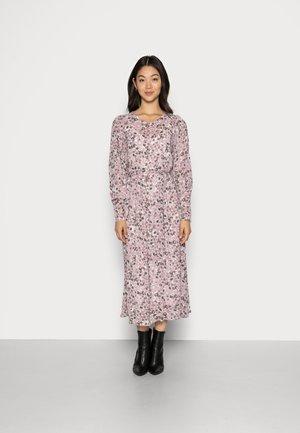 MADIA RIKKELIE DRESS - Denní šaty - egret flower