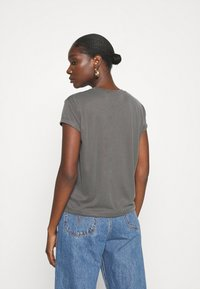 Calvin Klein Jeans - DRAPEY CAP SLEEVE  - Basic T-shirt - black - 2