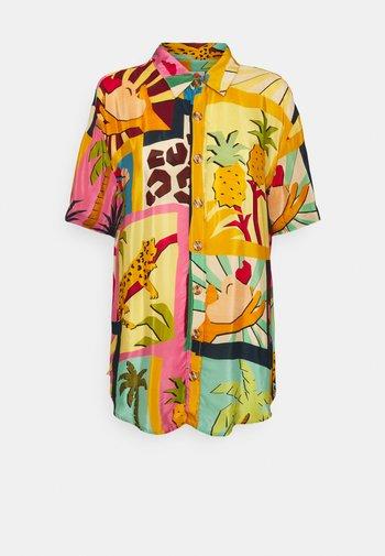 COLLAGE PAJAMA SHIRT - Button-down blouse - tropical