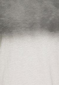 Key Largo - CHALLENGER ROUND - Top sdlouhým rukávem - silver - 6