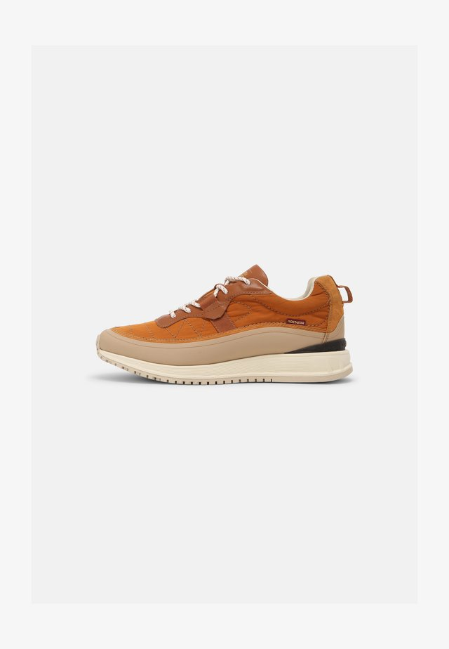 DESCENT - Sneakers laag - terracotta