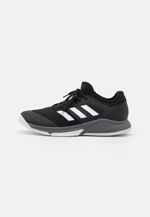COURT TEAM BOUNCE INDOOR SHOES - Käsipallokengät - core black/footwear white/grey four