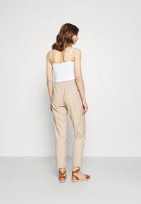 ONLY - ONLAIA  STRING PANT - Kalhoty - white pepper - 2
