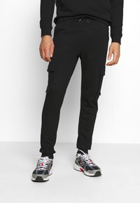 Only & Sons - ONSKIAN KENDRICK PANT - Cargo trousers - black - 0