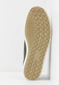 ECCO - SOFT  - Sneakersy niskie - deep forest - 6