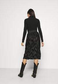JDY - JDYMACI PLEATED SKIRT - Pleated skirt - black - 2
