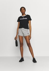 Reebok - FRENCH TERRY SHORT - Pantaloncini sportivi - medium grey heather - 1