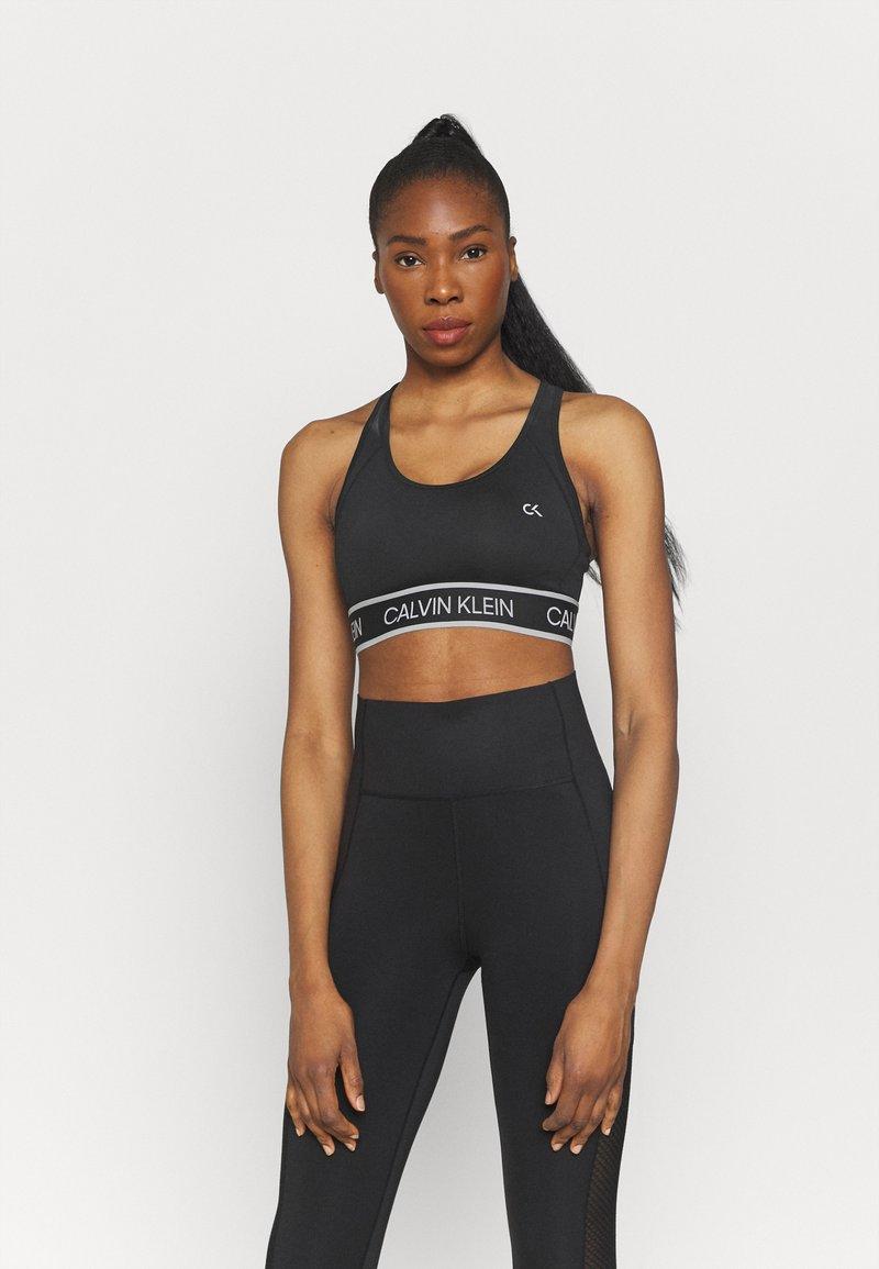 Calvin Klein Performance - MEDIUM SUPPORT BRA - Sportovní podprsenky se střední oporou - black
