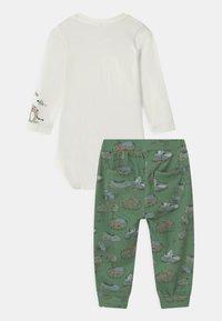 Name it - NBMTIFAR SET - Trousers - snow white - 1