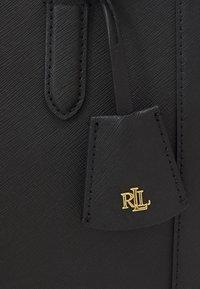 Lauren Ralph Lauren - BROOKE 27 SATCHEL MEDIUM - Sac à main - black - 5