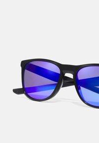 Oakley - TRILLBE X UNISEX - Sunglasses - black - 4