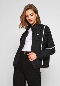 Nike Sportswear - PIPING - Leichte Jacke - black/white - 0