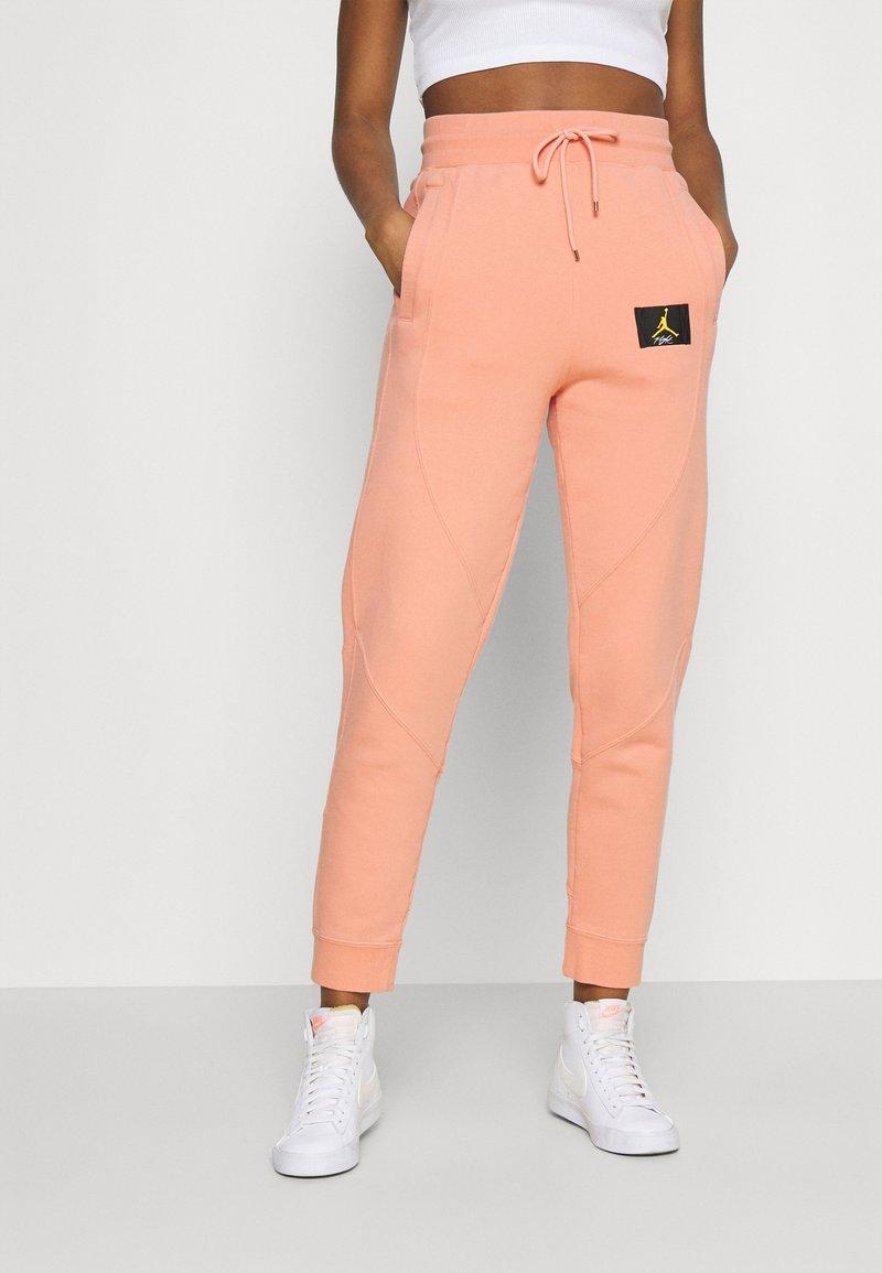Jordan - FLIGHT PANT - Tracksuit bottoms - apricot agate
