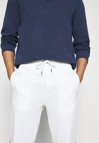 Polo Sport Ralph Lauren - TRACKPANT ATHLETIC - Tracksuit bottoms - white - 4