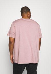 Burton Menswear London - BASIC 5 PACK - Basic T-shirt - purple/khaki/pink - 2