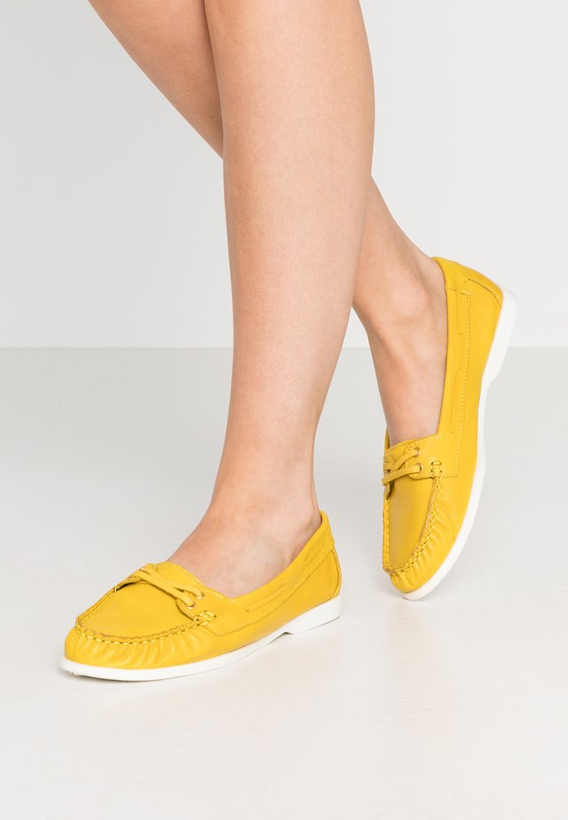 BIADANYA LOAFER - Instappers - yellow