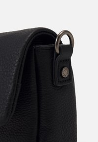 FREDsBRUDER - MIEZE - Across body bag - black - 3