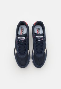 Tommy Jeans - RETRO RUNNER MIX - Sneakers basse - twilight navy - 3