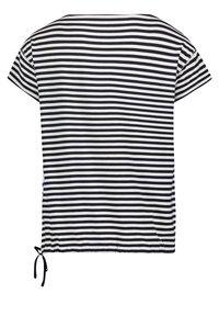 Betty Barclay - TUNNELZUG - Print T-shirt - dunkelblau/weiß - 4