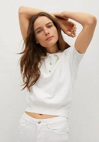 Mango - FLARE - Flared Jeans - white - 5