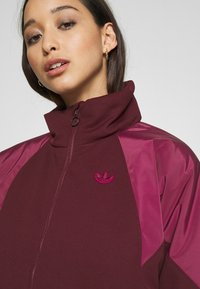 adidas Originals - SHORT PUFFER - Winter jacket - maroon/power berry - 5